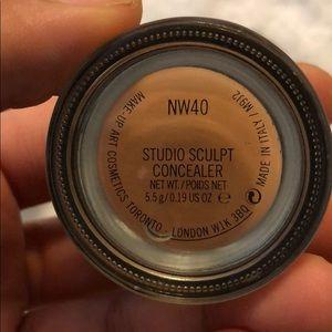 MAC studio sculpt concealer Nw40